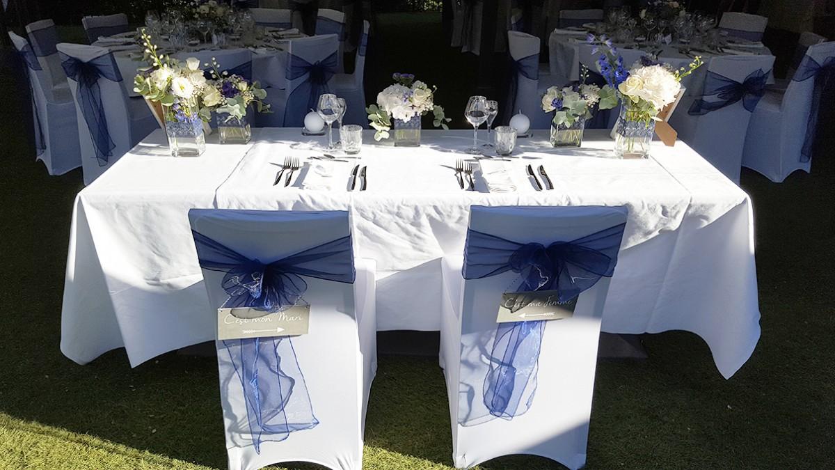 La décoration de notre mariage : notre table d'honneur à deux.