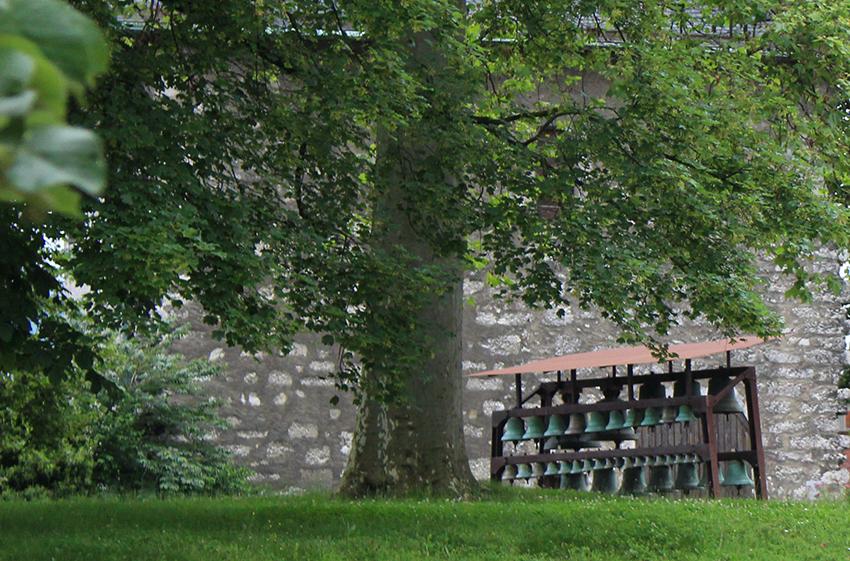 Réserve de cloches à Chambéry.