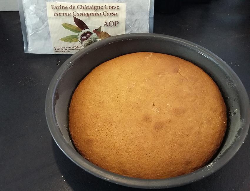 Gâteau moelleux à la châtaigne corse.