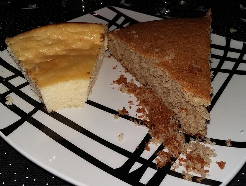 Recettes corses : à gauche le fiadone au brocciu, à droite le gâteau moelleux à la châtaigne.