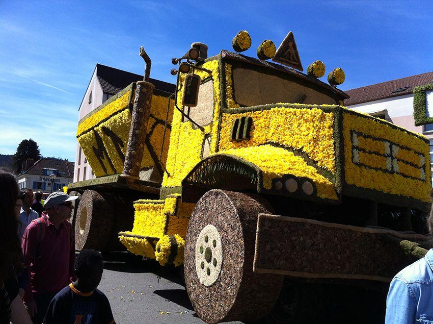 Char camion de la fête de la Jonquille à Gérardmer en 2013.