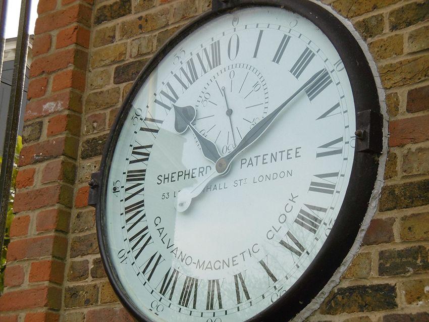 Horloge de 24h à l'observatoire de Greenwich à Londres.