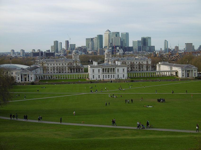 Vue sur le National Maritime Museum depuis l'observatoire de Greenwich.