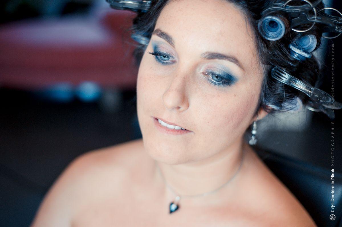 Préparatifs maquillage et coiffure de mariée.