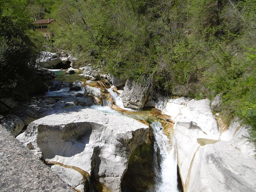 Une des cascades du Saut du Loup.