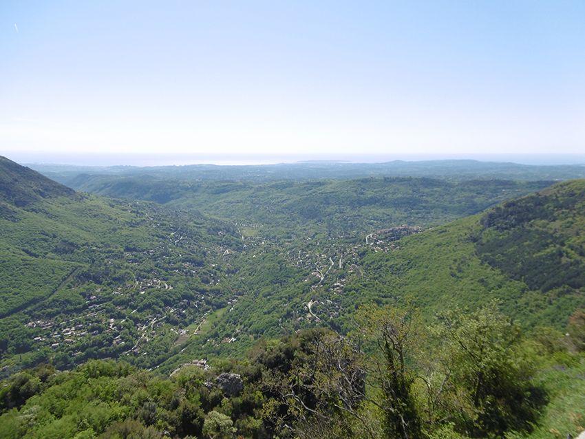 Panorama sur la Méditerranée depuis Gourdon.