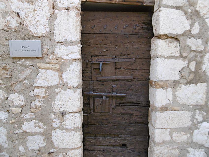 Porte du donjon de Saint-Paul de Vence.