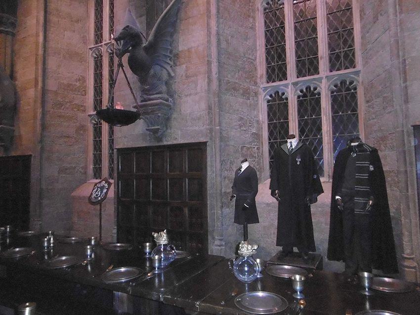 Maison serpentard dans la grande salle au Studio Harry Potter de Londres.