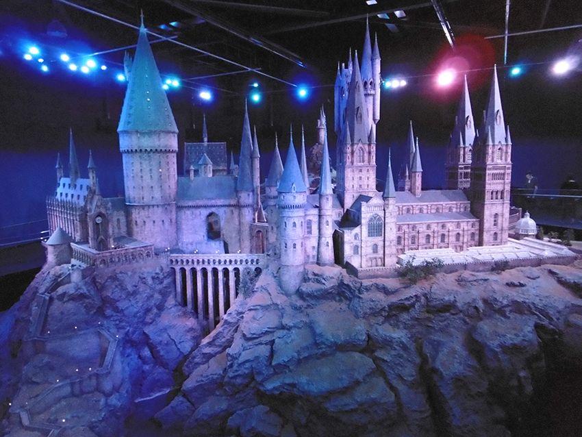 Château de Poudlard en maquette géante au Studio Harry Potter de Londres.