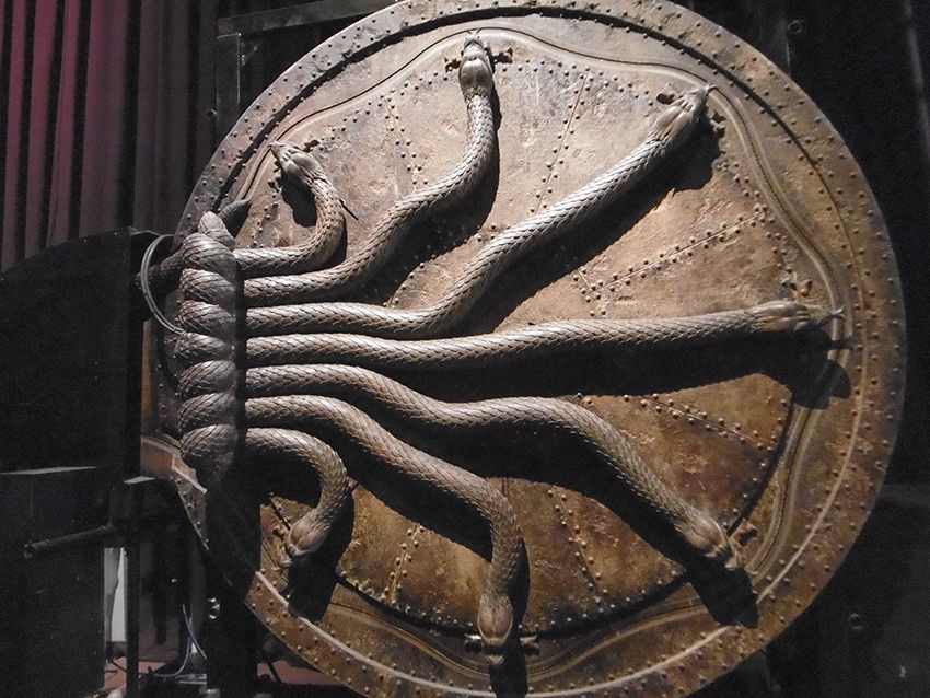 Porte serpents de la chambre des secrets au Studio Harry Potter de Londres.