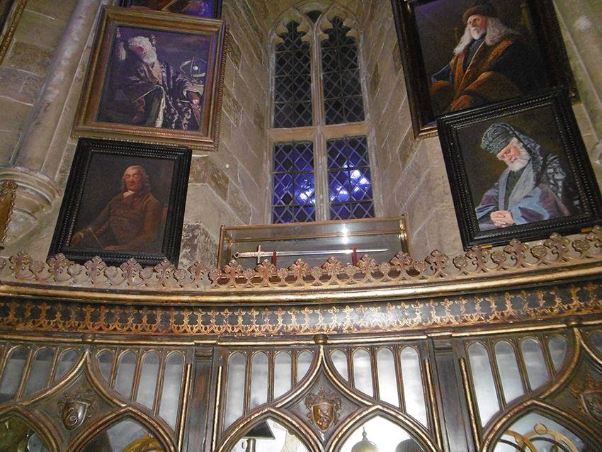 Tableaux endormis dans le bureau de Dumbledore au Studio Harry Potter de Londres.