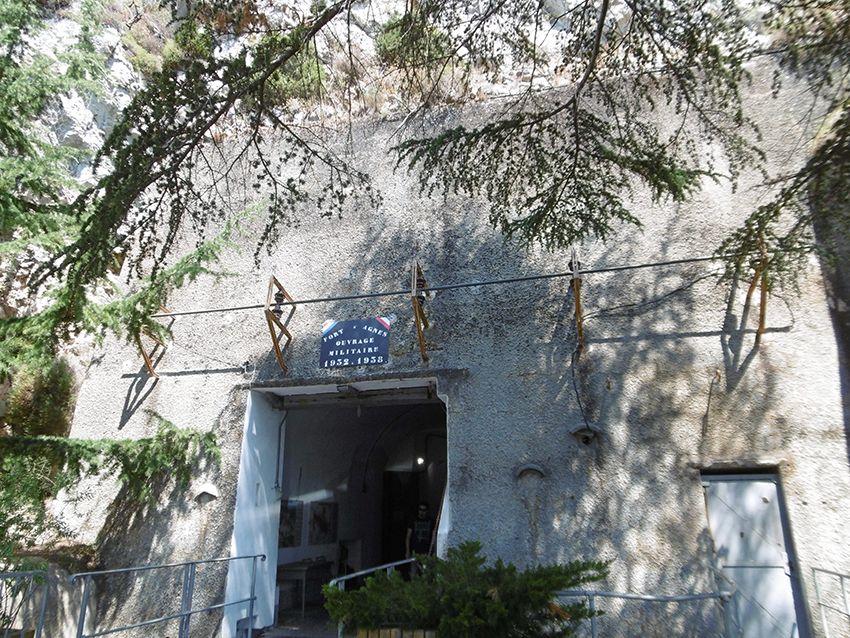 Entrée du fort militaire de Sainte-Agnès.