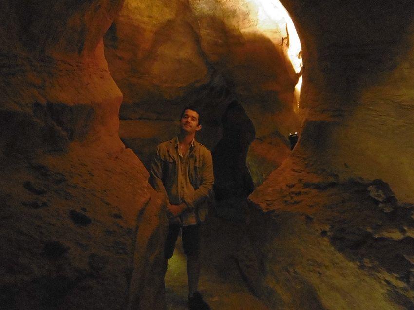 Intérieur grotte de la Baume Obscure.