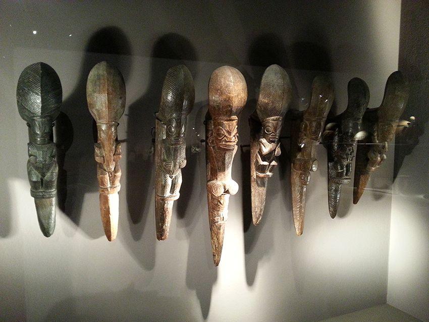 Objets ethniques collection du musée de la Castre à Cannes.
