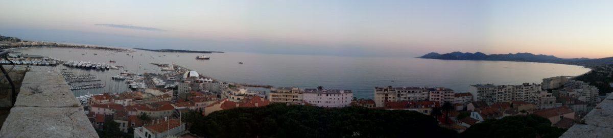 Baie de Cannes, panorama depuis la tour du musée de la Castre au Suquet.