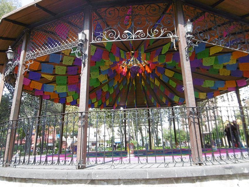 Kiosque de Coyoacan à Mexico.