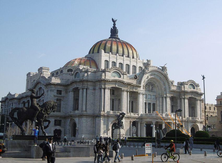 Palais des Beaux Arts de Mexico.