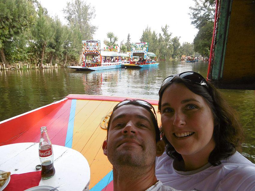 Repas sur une barque de Xochimilco à Mexico.