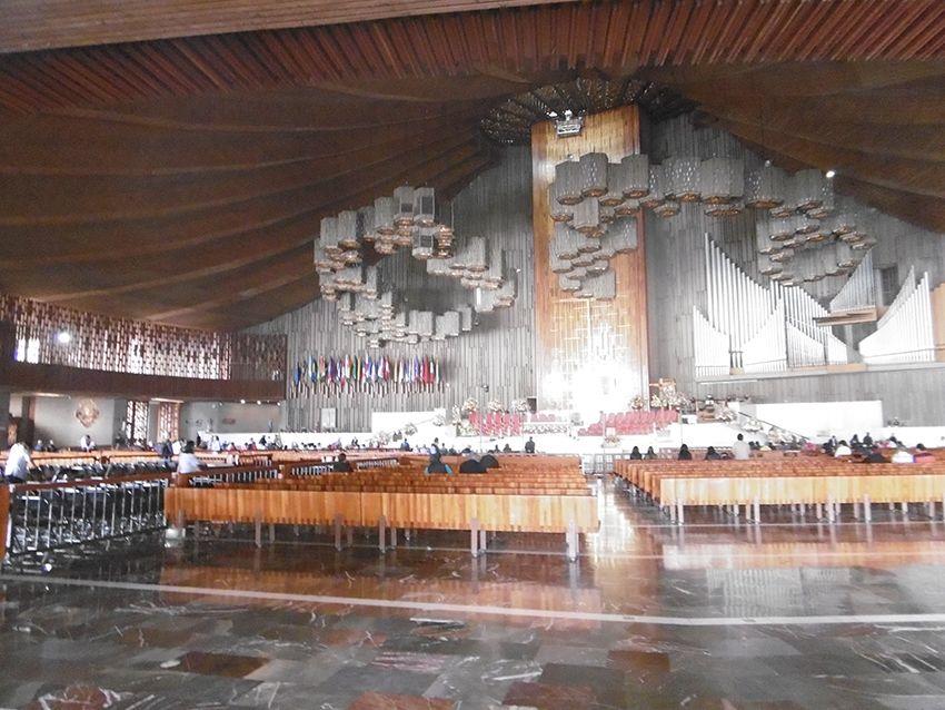 Notre Dame de Guadalupe intérieur moderne.