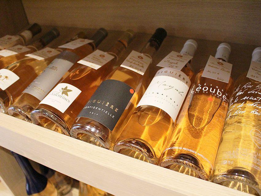 Rosées de la cave à vins Flacons Divins d'Antibes.