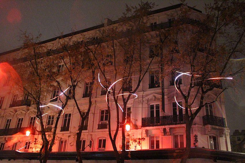 Fête des Lumières à Lyon en 2017, installations lumineuses dans les arbres les Wisps de la Rue de la République.