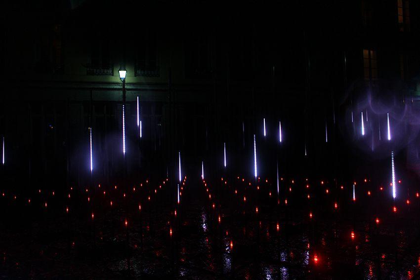 Fête des Lumières à Lyon en 2017, spectacle lumineux stratum sur la place du Griffon.