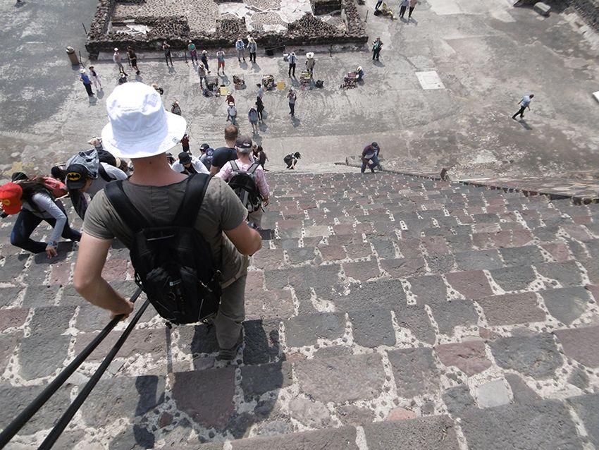 Escalier de la pyramide de la Lune sur le site de Teotihuacan au Mexique.