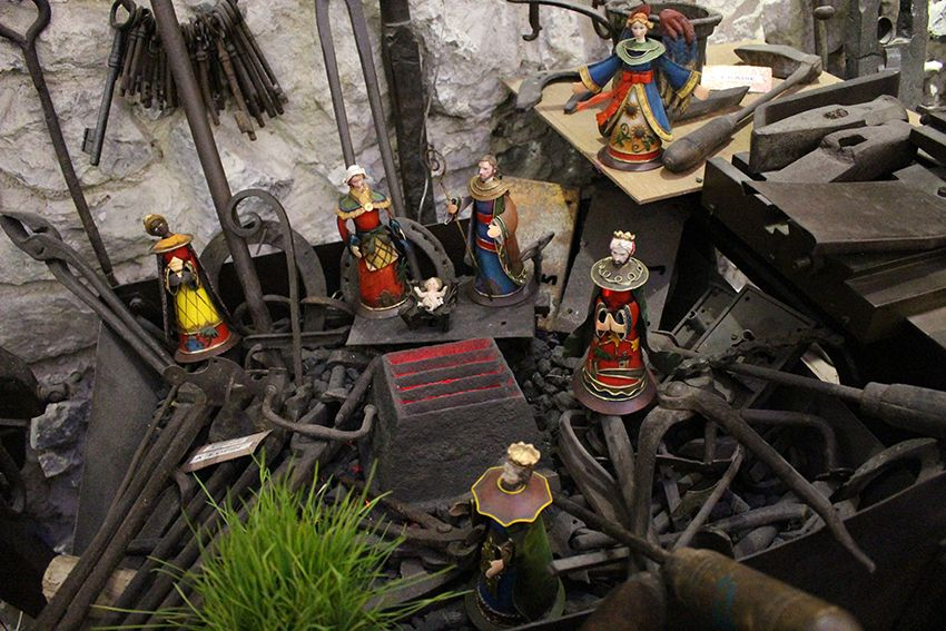 Crèche du musée des vieux outils à Lucéram.