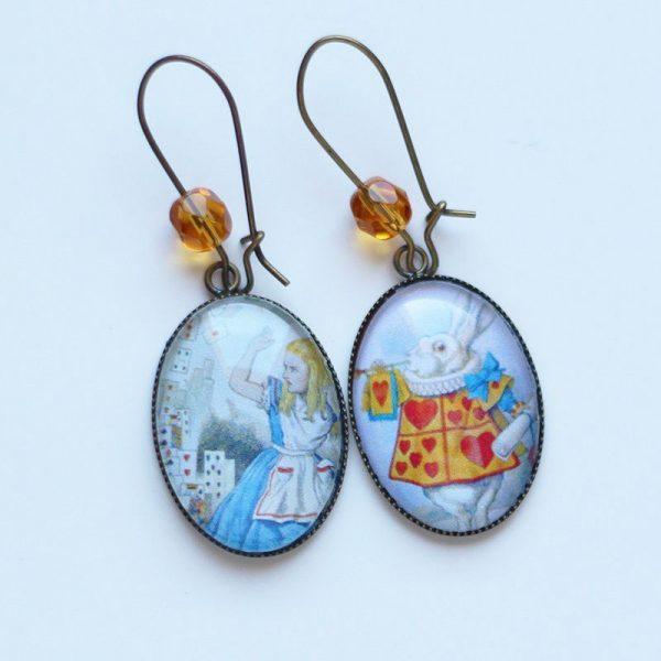 Boucles d'oreilles Alice au pays des merveilles et lapin blanc par Divine et Féminine.