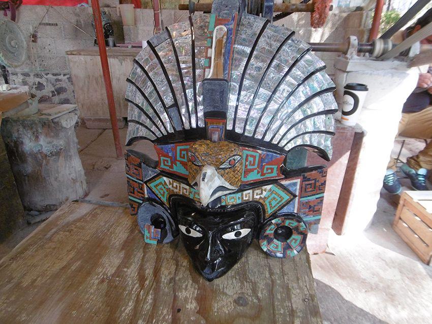 Masque d'une fabrique de taille d'obsidienne au Mexique