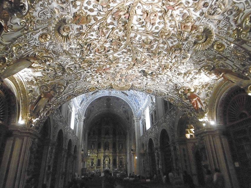 Chapelle de la Vierge du Rosaire, dans le templo Santo Domingo à Oaxaca, au Mexique.