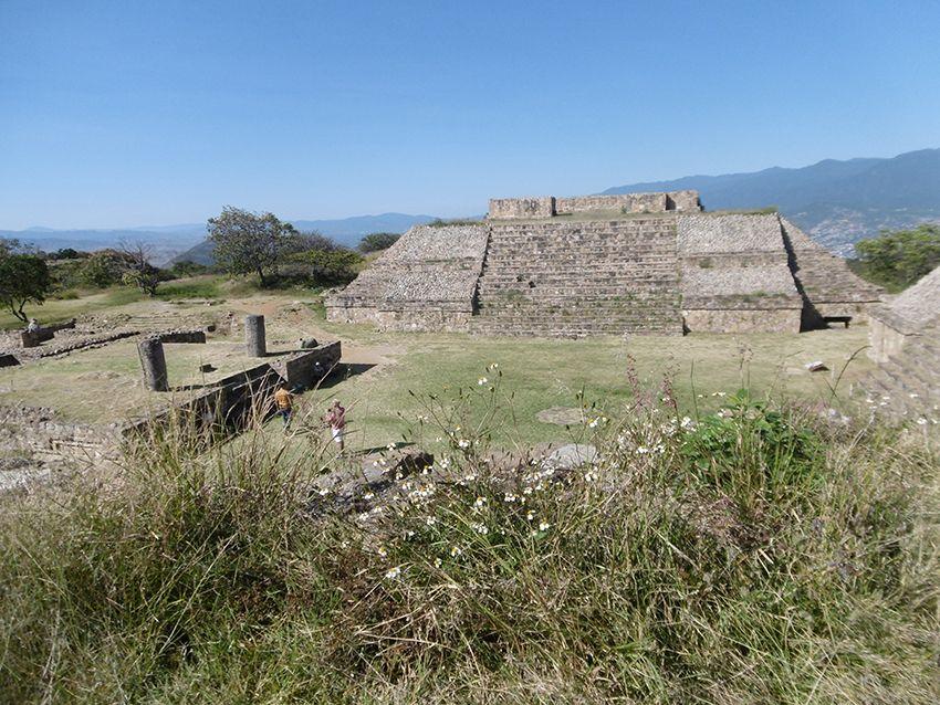 Temple à Monte Alban au Mexique.