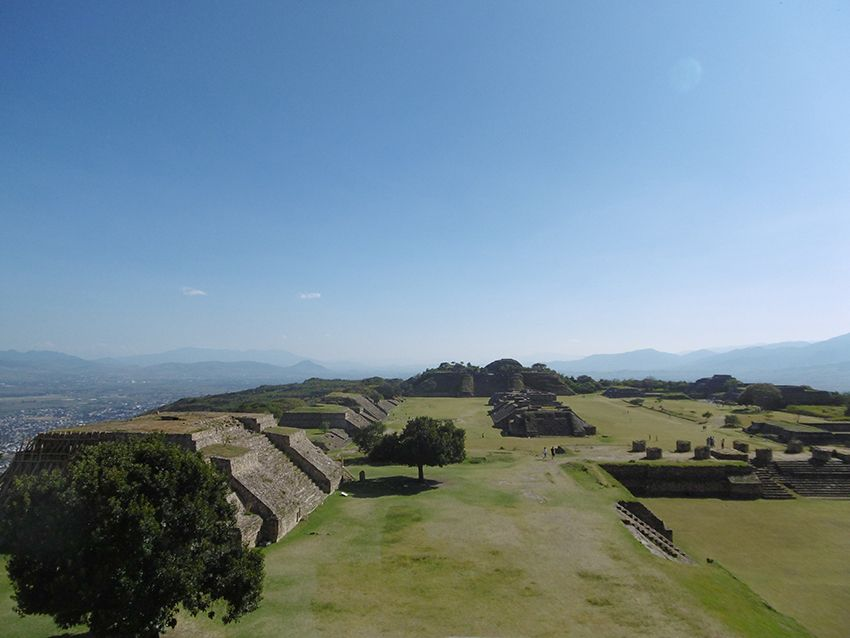 Temples de Monte Alban au Mexique.