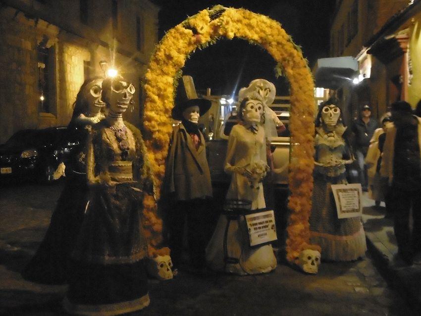 Squelettes du dia de muertos à Oaxaca.