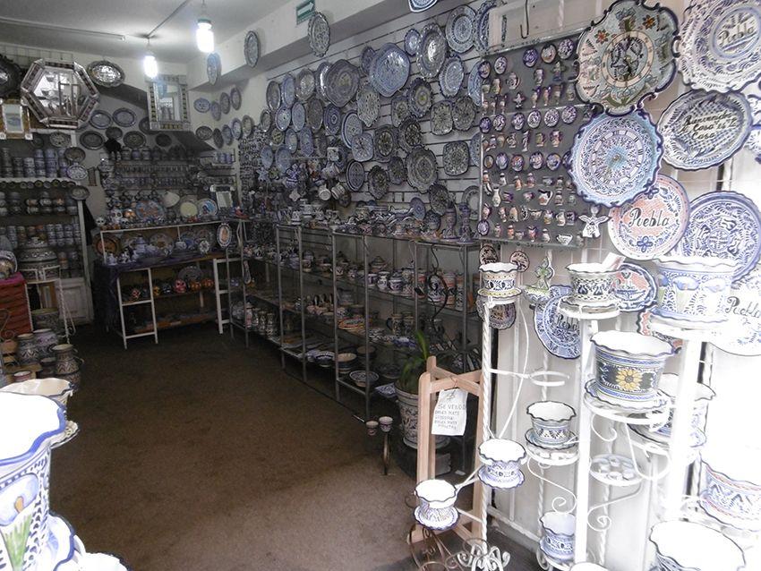Magasin de porcelaine à Puebla au Mexique.
