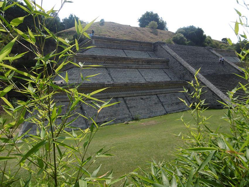 Pyramide du temple de Cholula au Mexique.