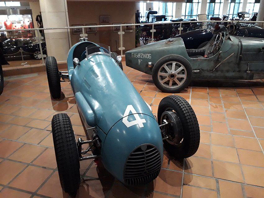 Bugatti dans le musée de l'Automobile à Monaco.