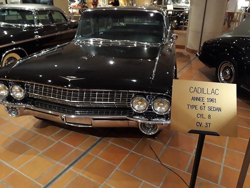 Cadillac de 1961 dans le musée de l'Automobile à Monaco.