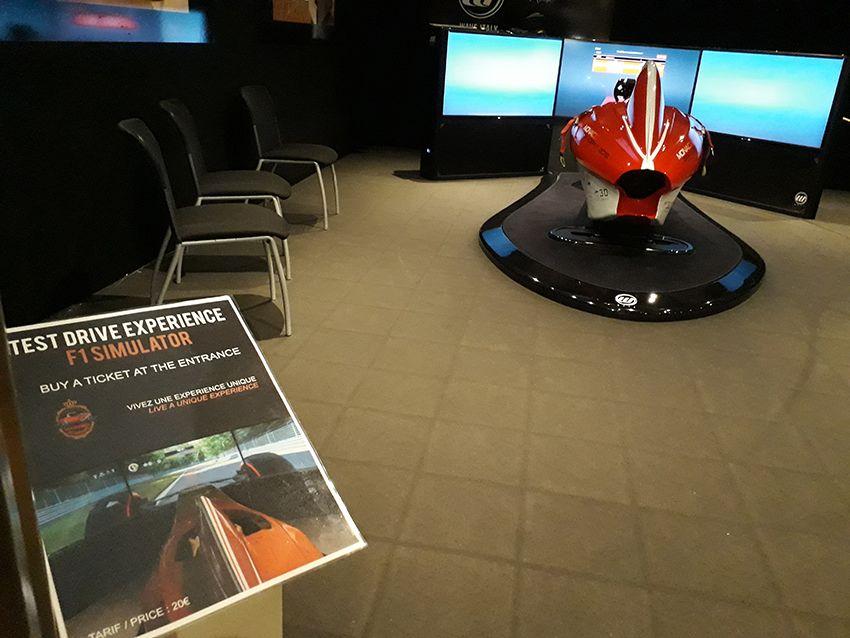 Simulateur F1 dans le musée de l'Automobile à Monaco.