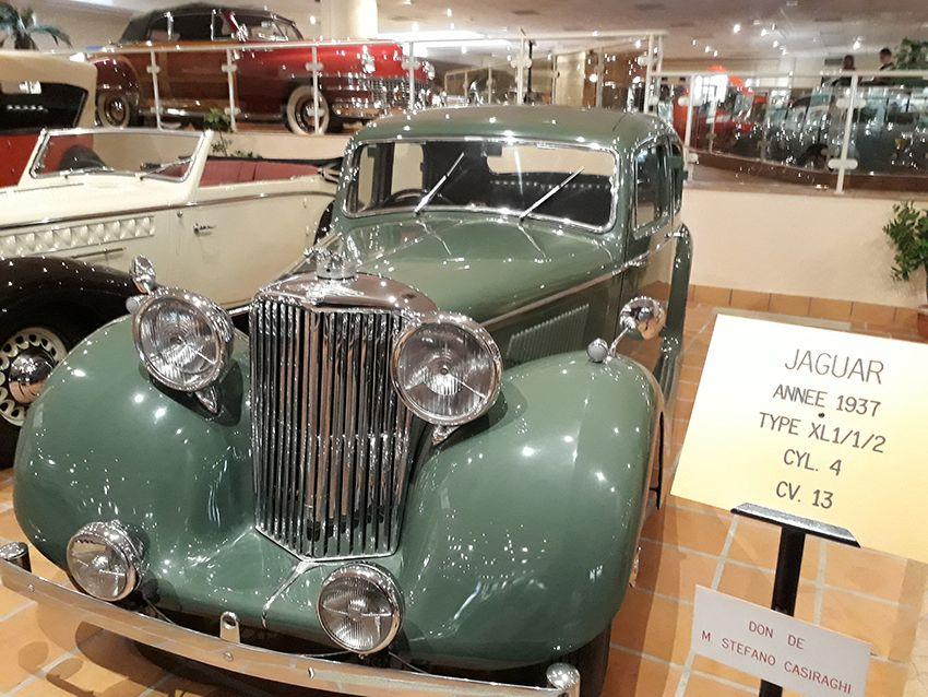 Jaguar de 1937 dans le musée de l'Automobile à Monaco.