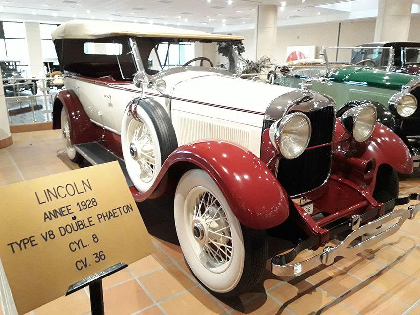Lincoln de 1928 dans le musée de l'Automobile à Monaco.