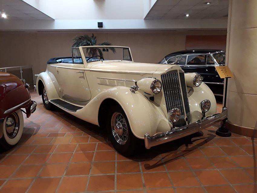 Packard dans le musée de l'Automobile à Monaco.