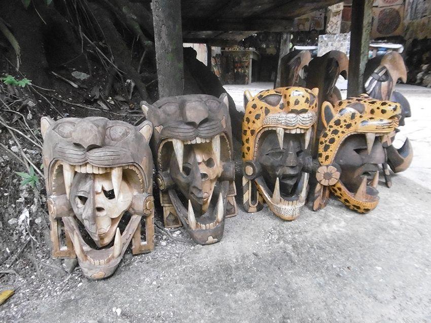 Souvenirs du Mexique Guerrier représentant la vie et la mort.