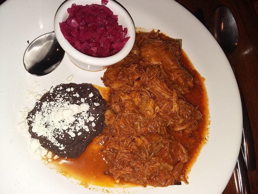 Cochinita pibil à Campeche, au Mexique.