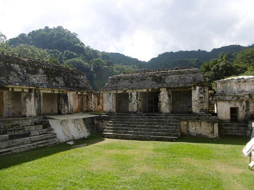 Ruines des temples de Palenque au Mexique.