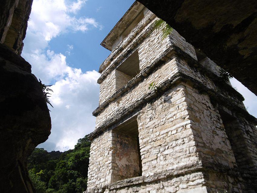 Tour d'observation des astres à Palenque au Mexique.