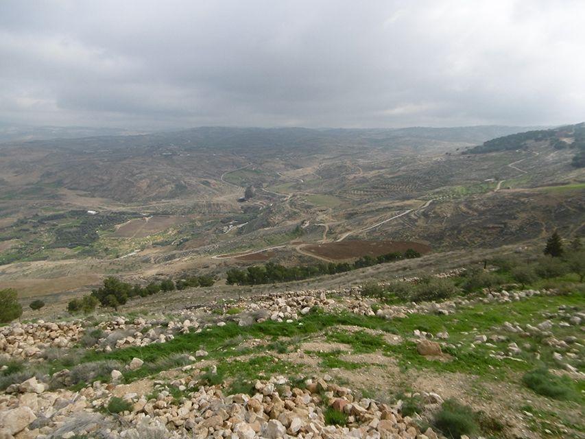Vue sur la vallée du Jourdain depuis le Mont Nebo en Jordanie.