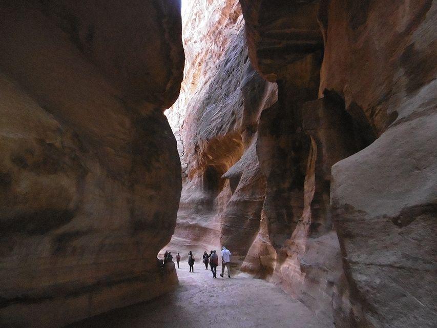 Le siq à Petra en Jordanie.