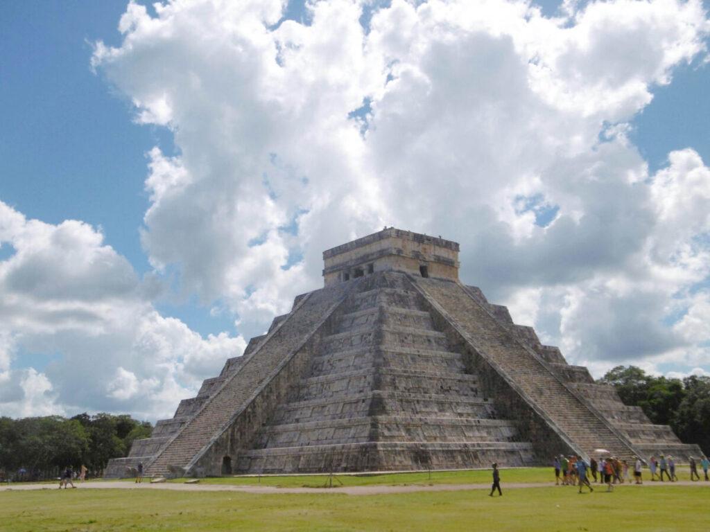 Pyramide maya de Chichen Itza, au Mexique.