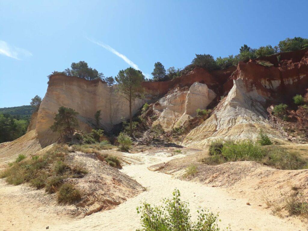 Mines d'ocres du colorado provençal à Rustrel.
